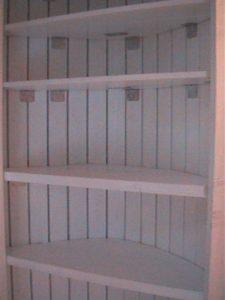 2×4材で白い本棚作り17