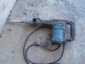 初めての電動ハンマー使用法01