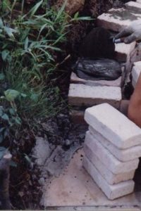 DIYアリ塚はガウディの香り02
