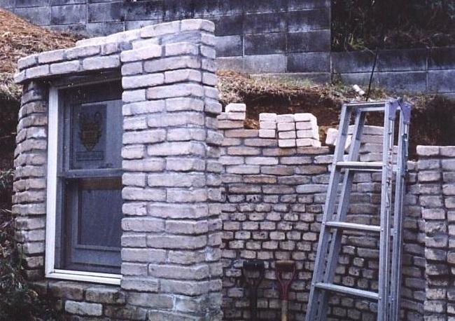 コンクリート型枠工事 ダブルハング窓のハメコミ